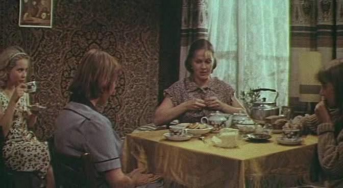 Кадры из фильма фильм одиноким предоставляется общежитие где снимали