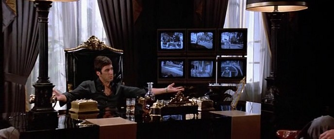 Декольте Мишель Пфайффер – Лицо Со Шрамом (1983)