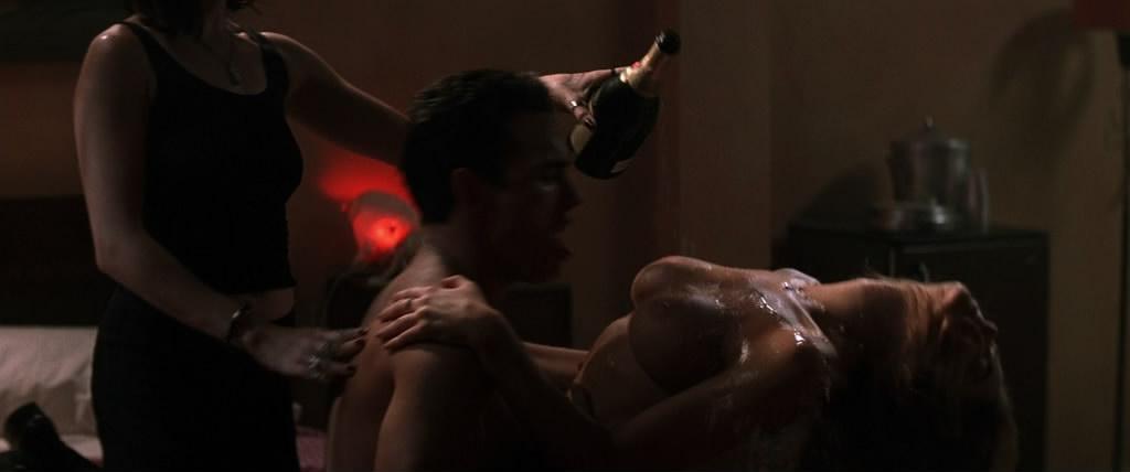сексуални фото из фильм дикость