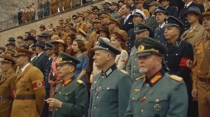... кадр из фильма Дуэль братьев - История Adidas и Puma (Duell der Brüder  - Die ... f9e5af12fc195